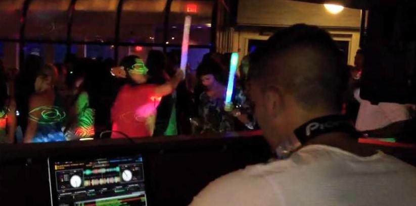 Michael Fusco at Cabana 435, Freeport, NY, 2012 on Vimeo